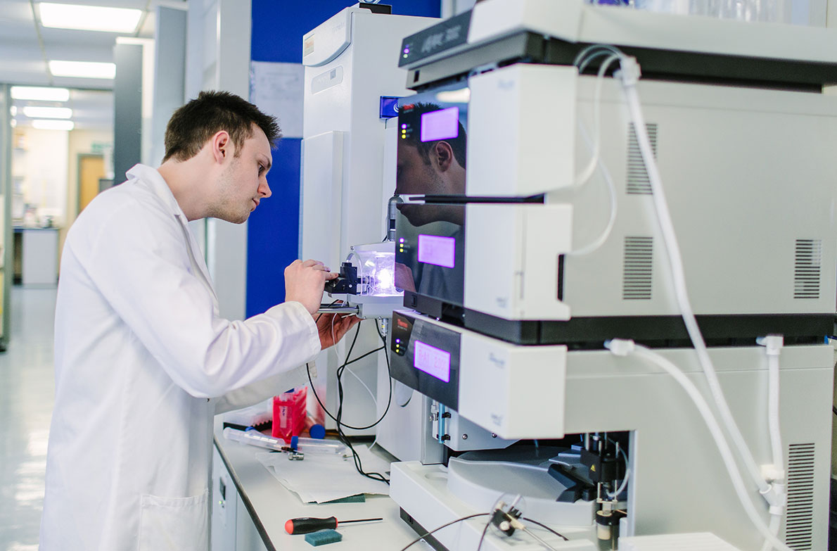 Mass spectrometry labs in the Faculty of Biological Sciences